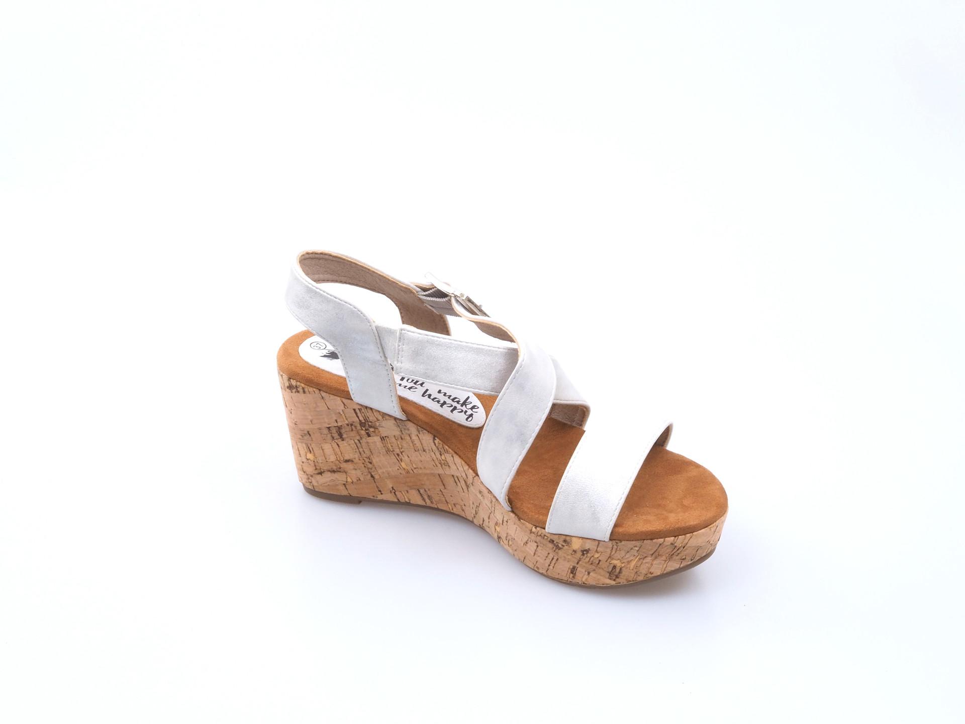 cd1549a3e4 Soňa - Dámska obuv - Sandále - Dámske otvorené sandále na platforme Xti -  strieborná