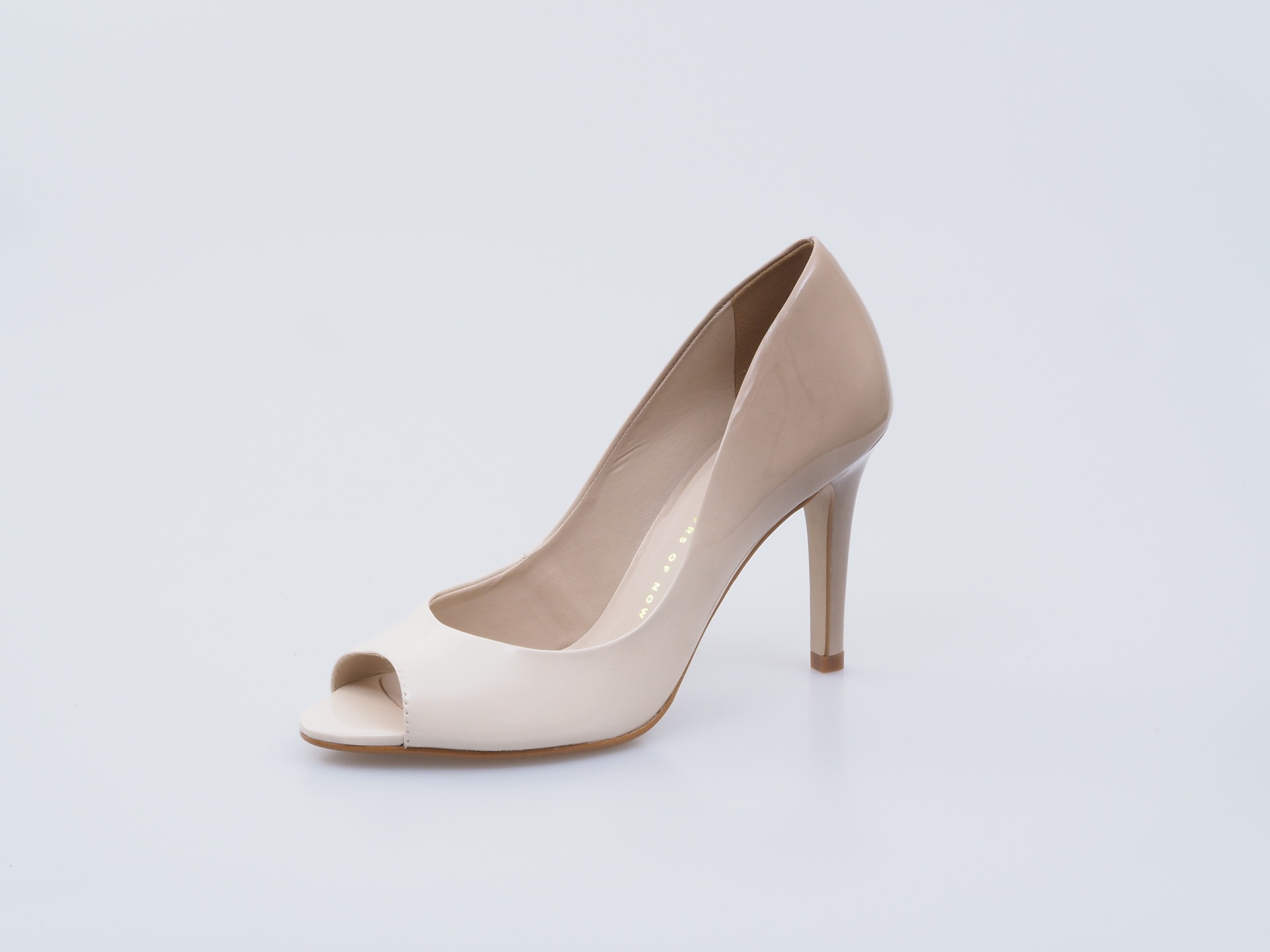 c6d2312884 Soňa - Dámska obuv - Lodičky - Bronx dámska spoločenská obuv biela káva