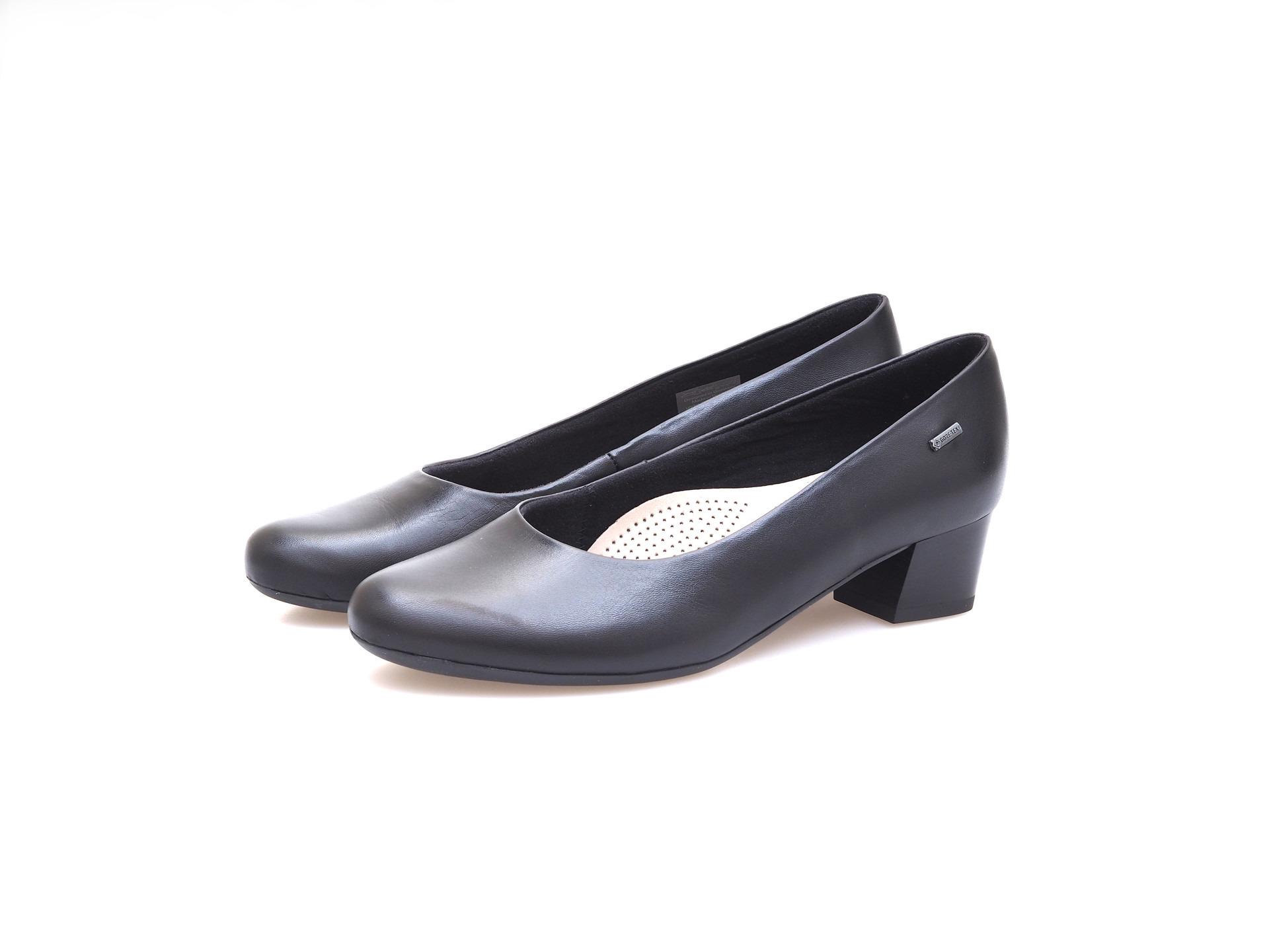 ca5e692a61 Soňa - Dámska obuv - Lodičky - Čierne dámske lodičky na nízkom ...