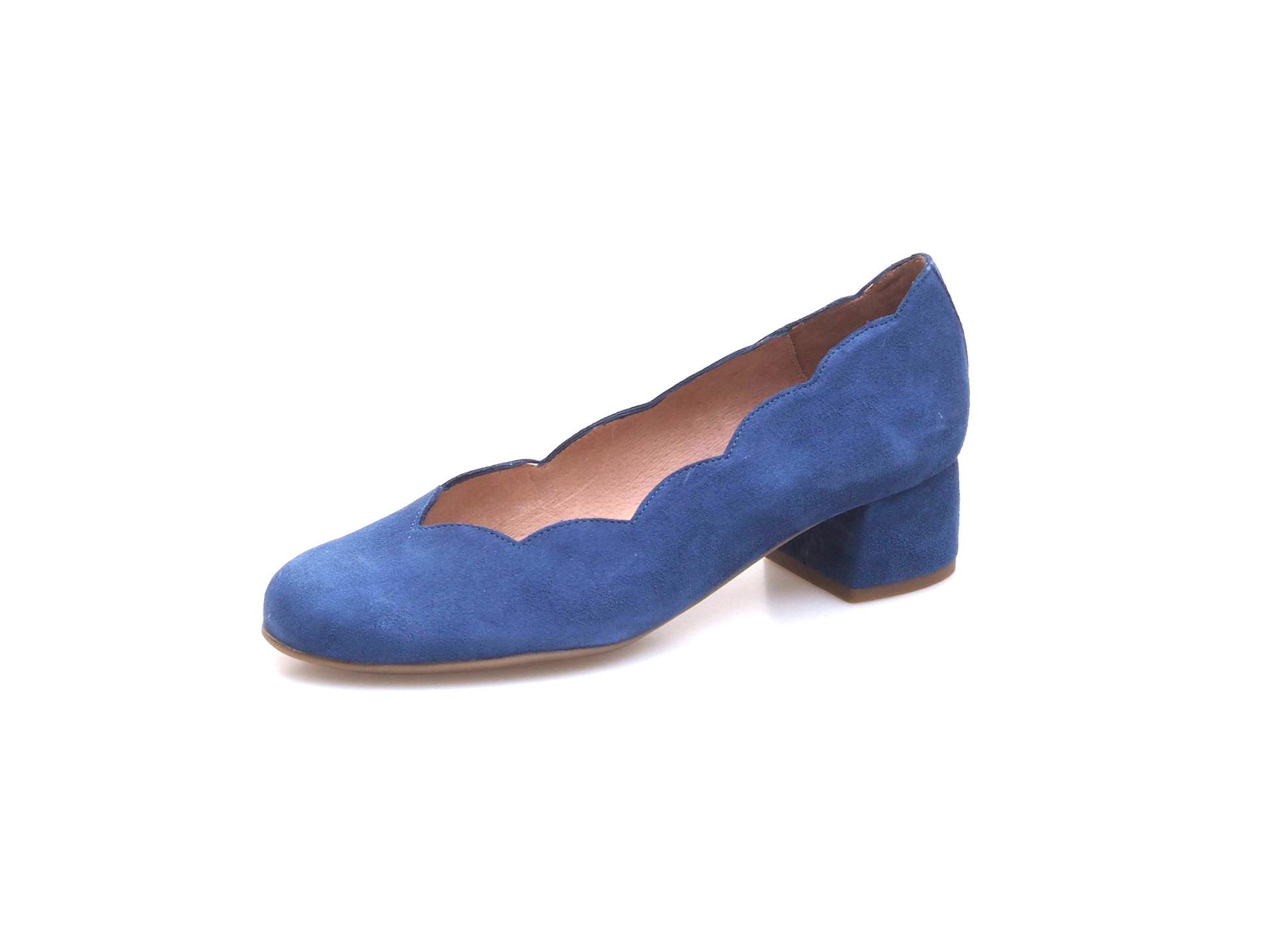 Soňa - Dámska obuv - Lodičky - Dámska lodička na nízkom podpätku ... dfc63fdd4d3