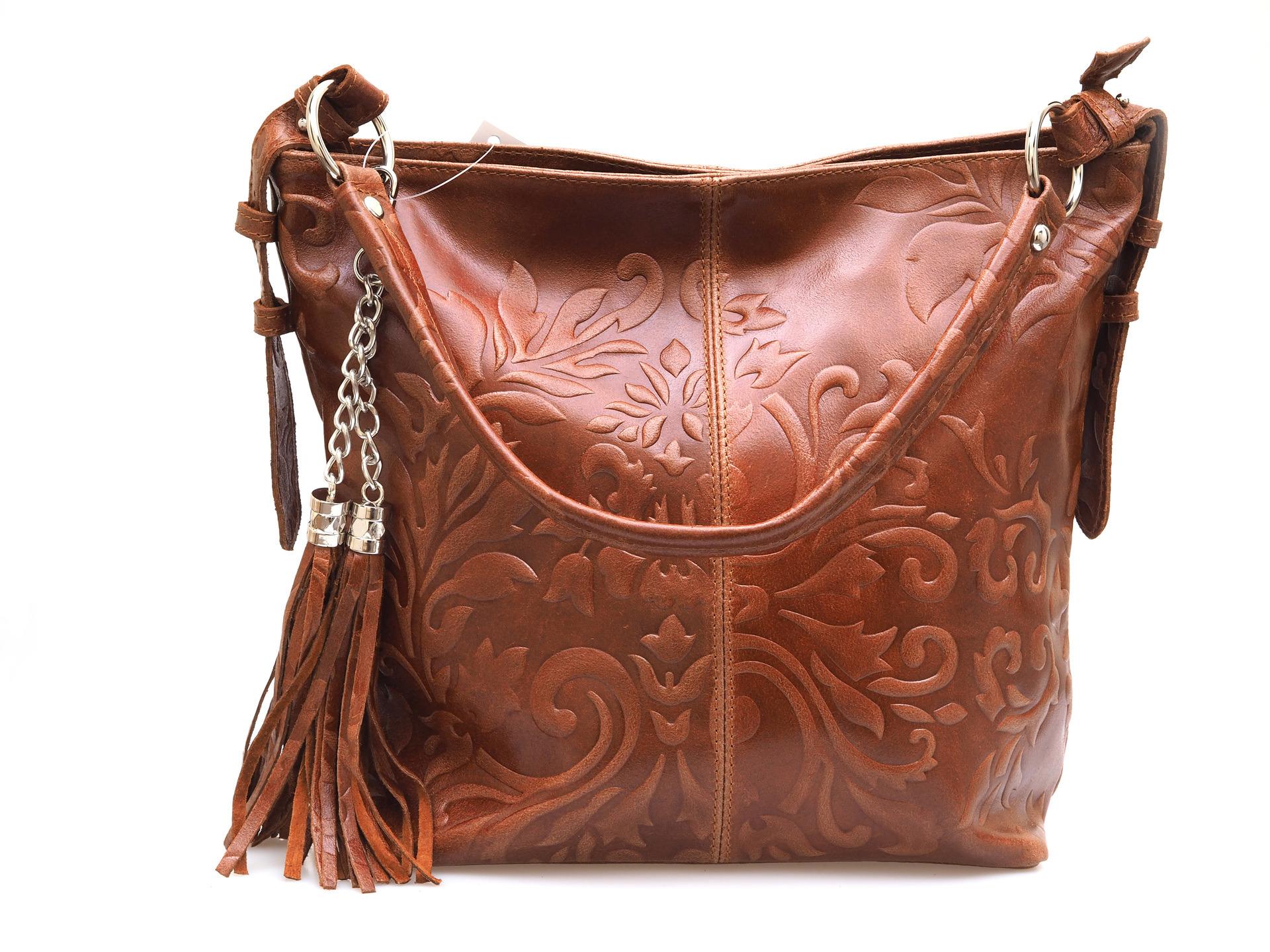 Soňa - Dámska - Dámske kabelky - Hnedá dámska kabelka cez plece 82b9cbb1fca