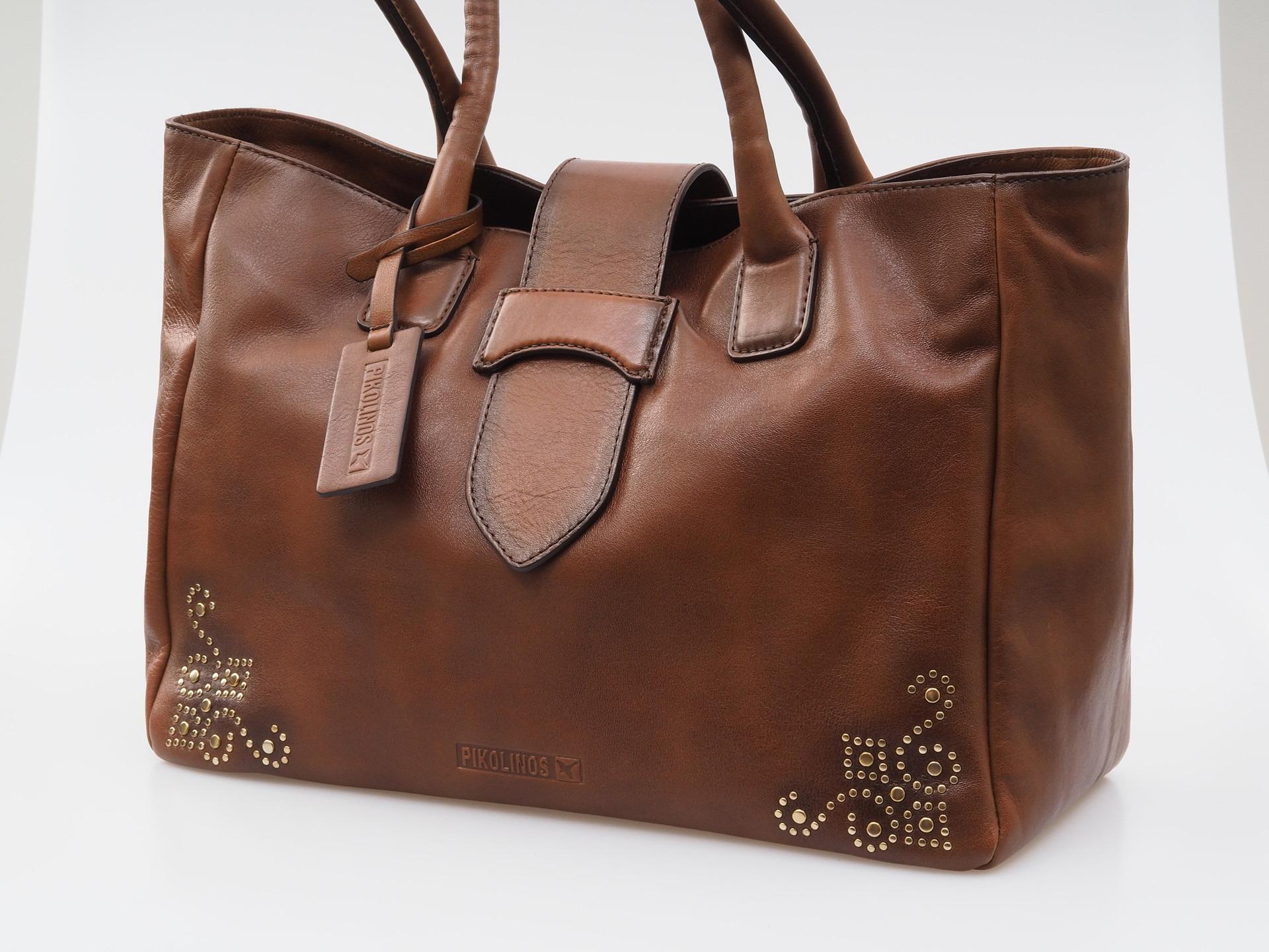 Hnedá kožená kabelka Pikolinos ce9373af08a