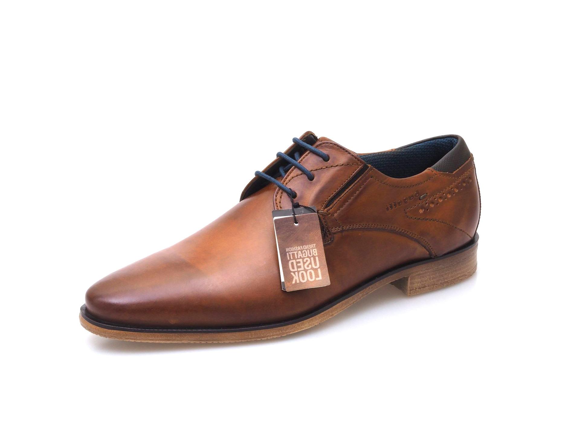 Hnedá pánska šnurovacia obuv značky Bugatti ecf3457bcd5