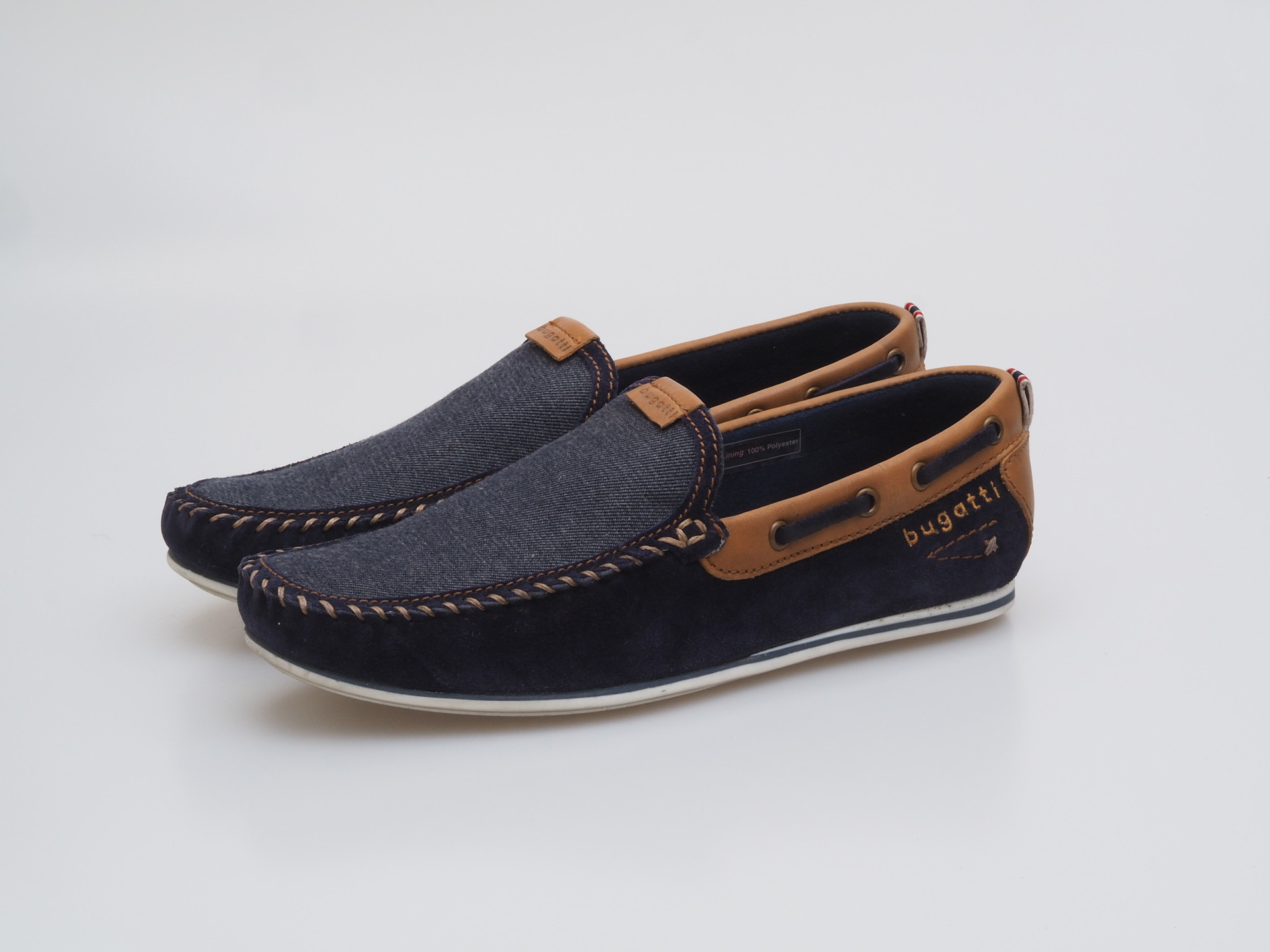Soňa - Pánska obuv - Mokasíny - Modrá pánska mokasína značky Bugatti ac06622aa8