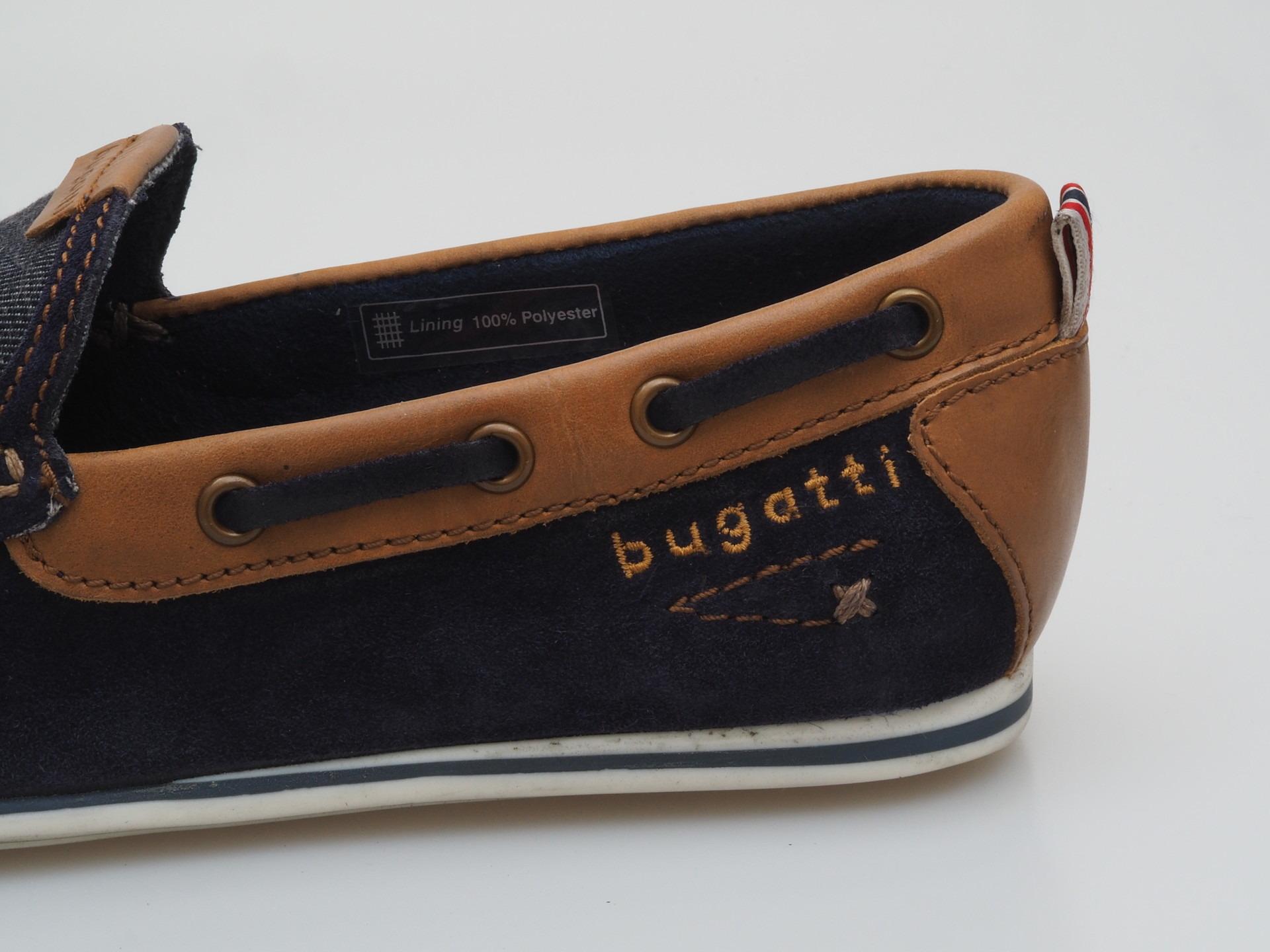 abdf2e08d2de Soňa - Pánska obuv - Mokasíny - Modrá pánska mokasína značky Bugatti