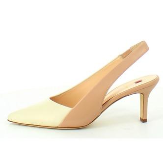 e30a55433bdf Béžové dámske uzatvorené sandále na vysokom podpätku značky Hogl ...