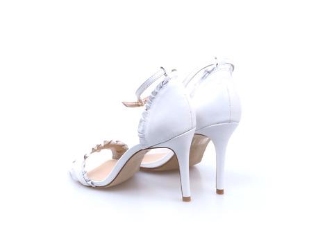 e1d3795686fa2 Soňa - Dámska obuv - Spoločenská obuv - Biele dámske lodičky na ...