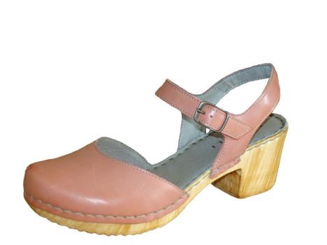 16229acebb8e Soňa - Dámska obuv - Sandále - Červené sandálky na nízkom podpätku Rizzoli