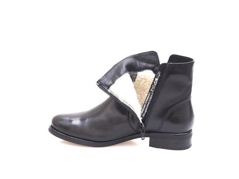 14cc6c476ebb Soňa - Dámska obuv - Kotníčky - Dámska obuv členková zateplená na nízkom  podpätku značky Salamander