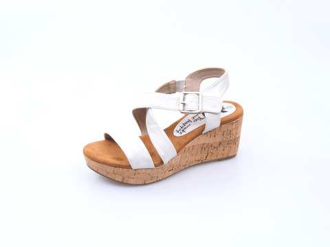 dc544fcd1b5d8 Soňa - Dámska obuv - Sandále - Dámske otvorené sandále na platforme Xti -  strieborná