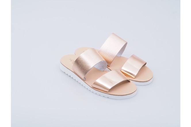 Soňa - Novinky - Strieborné a zlaté sandále sú hitom tejto sezóny! 08d2f4c286e
