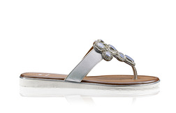 7ac2400bc01c Soňa - Novinky - Nová kolekcia - sandále Salamander